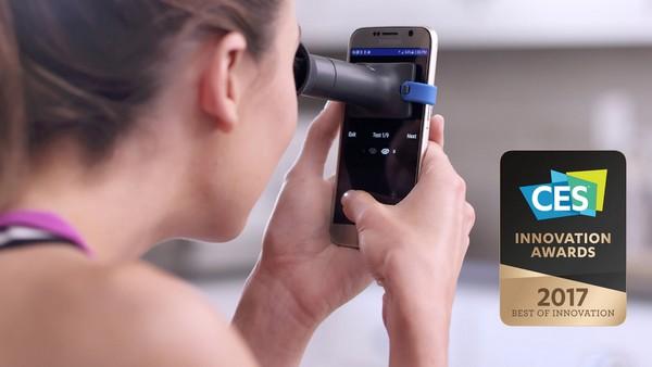 EyeQue gadget medir vista